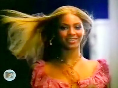 beyonce knowels performs in fitting dress