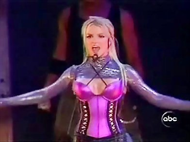 britney spears in lingerie behaves badly